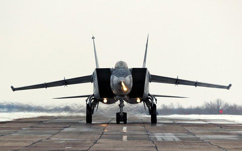Тяжёлый перехватчик МиГ-25
